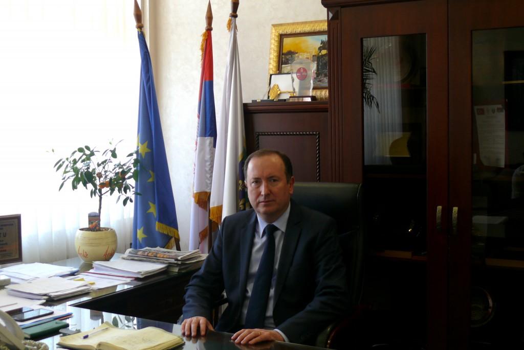 Meho Mahmutovic, dans son bureau, le 19 février 2015. Crédits : MSG