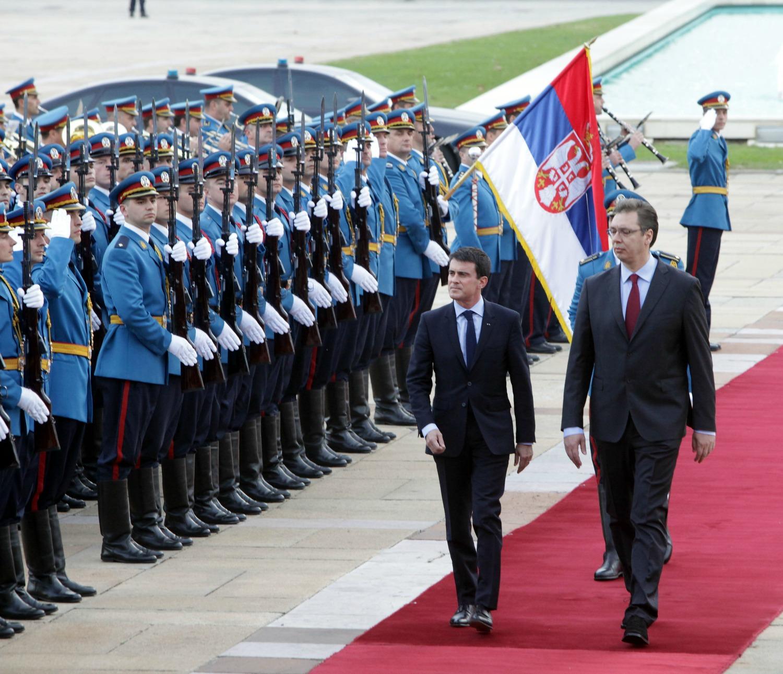 Novembre 2014, Manuel Valls rencontre Aleksandar Vucic à Belgrade pour célébrer les relations franco-serbes et le centenaire. Crédit: Ambassade de France
