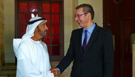 Le Cheick Abdullah ben Zayed avec le premier ministre Aleksandar Vucic
